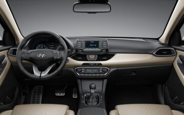 Rent Hyundai i30 A/T